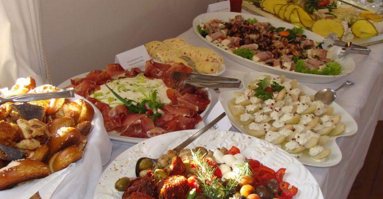 Vorspeisenbuffet mit Antipasti